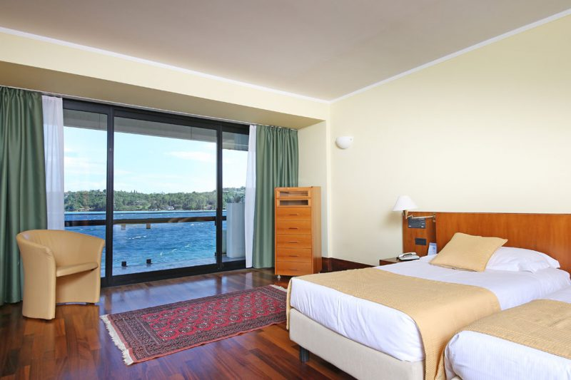 camera deluxe hotel salò du parc lago di garda